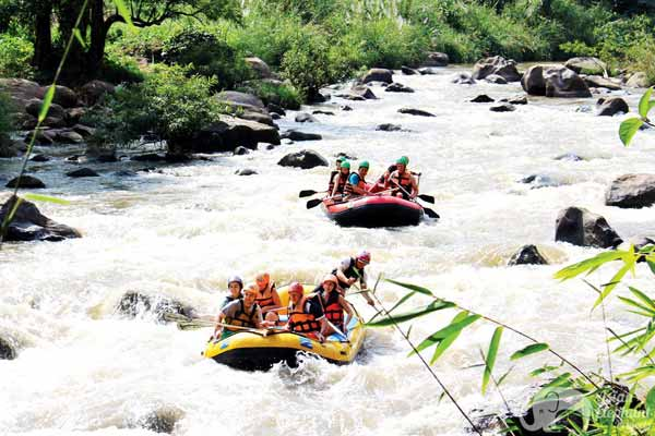 WhiteWaterRafting_1